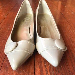 Anne Klein pointed toe shoe